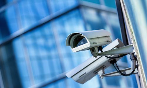 网络监控工程中,百兆交换机和千兆交换机分别接几个摄像机?