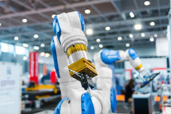 数字经济的引擎作用在制造业上有什么体现?