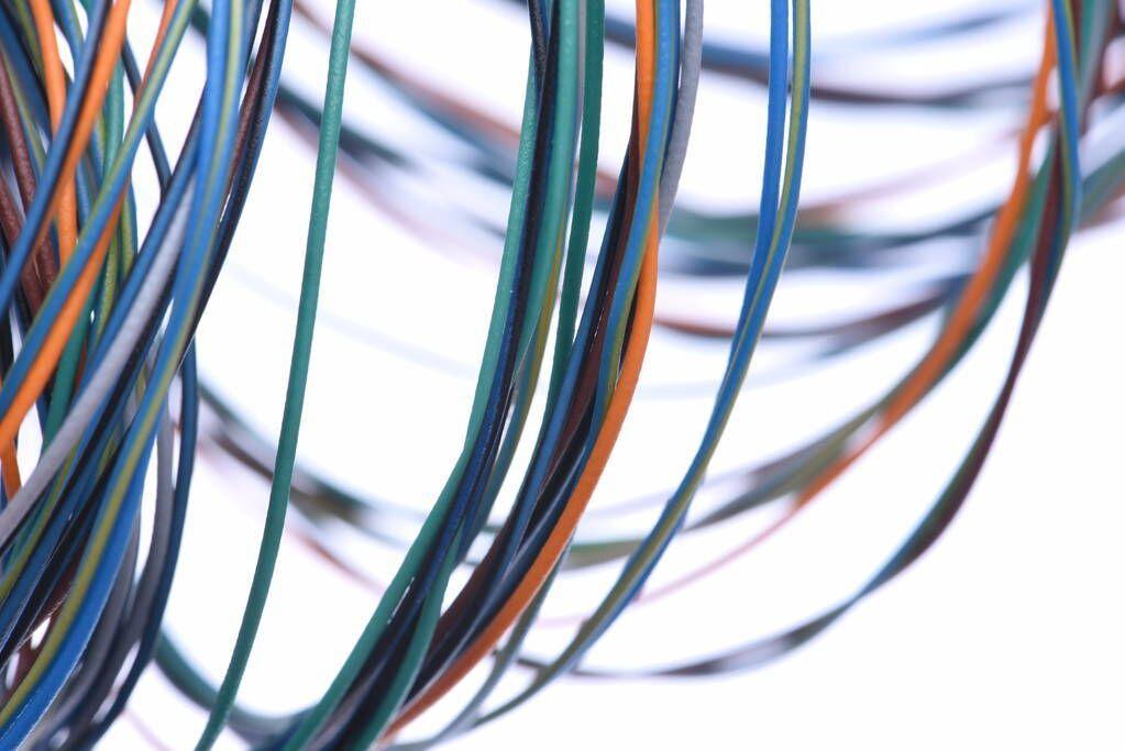 如何处理数据中心电缆管理问题?
