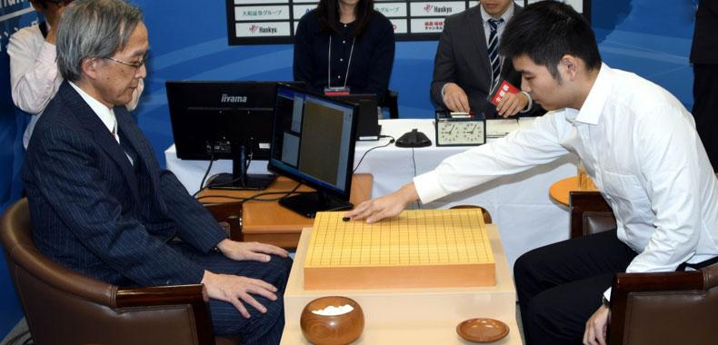 首届世界围棋精英赛  芈昱廷首战中盘胜人工智能程序